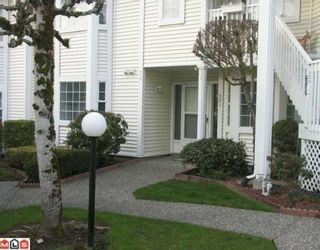 """Photo 2: 905 9143 154 Street in Surrey: Fleetwood Tynehead Townhouse for sale in """"Lexinton Square"""" : MLS®# F1005282"""
