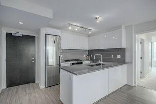 Photo 2: 1709 6658 DOW Avenue in Burnaby: Metrotown Condo for sale (Burnaby South)  : MLS®# R2495288