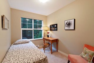 """Photo 10: 205 960 LYNN VALLEY Road in North Vancouver: Lynn Valley Condo for sale in """"Balmoral House"""" : MLS®# R2502603"""