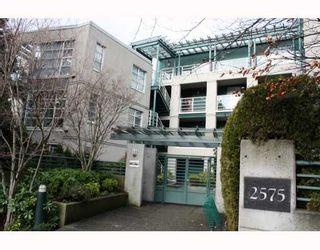 """Photo 1: 101 2575 W 4TH Avenue in Vancouver: Kitsilano Condo for sale in """"SEAGATE"""" (Vancouver West)  : MLS®# V803860"""