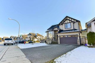 Photo 2: 20334 98A Avenue in Langley: Walnut Grove House for sale : MLS®# R2184536