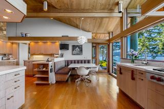 """Photo 10: 370 374 SMUGGLERS COVE Road: Bowen Island House for sale in """"Hood Point"""" : MLS®# R2518143"""