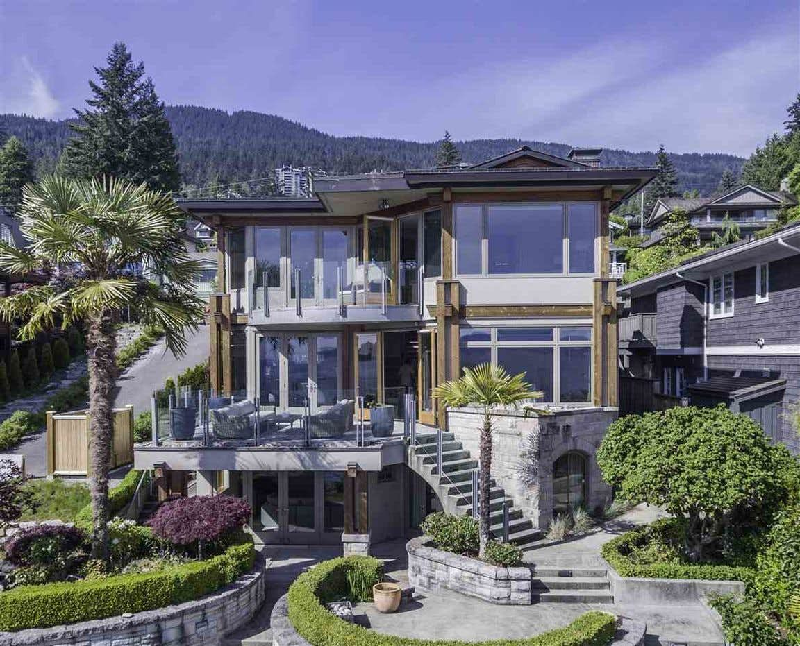 Main Photo:  in West Vancouver: House for rent : MLS®# AR130