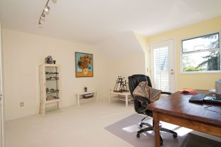 """Photo 12: 2 1511 MAHON Avenue in North Vancouver: Central Lonsdale Townhouse for sale in """"Heritage Court"""" : MLS®# R2206665"""