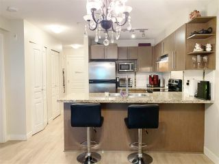 """Photo 5: 119 2088 BETA Avenue in Burnaby: Brentwood Park Condo for sale in """"MEMENTO"""" (Burnaby North)  : MLS®# R2383941"""