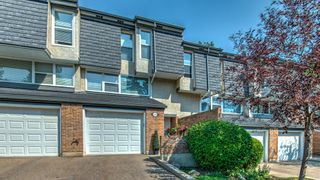 Main Photo: 408 Brae Glen Crescent SW in Calgary: Braeside Row/Townhouse for sale : MLS®# A1132351
