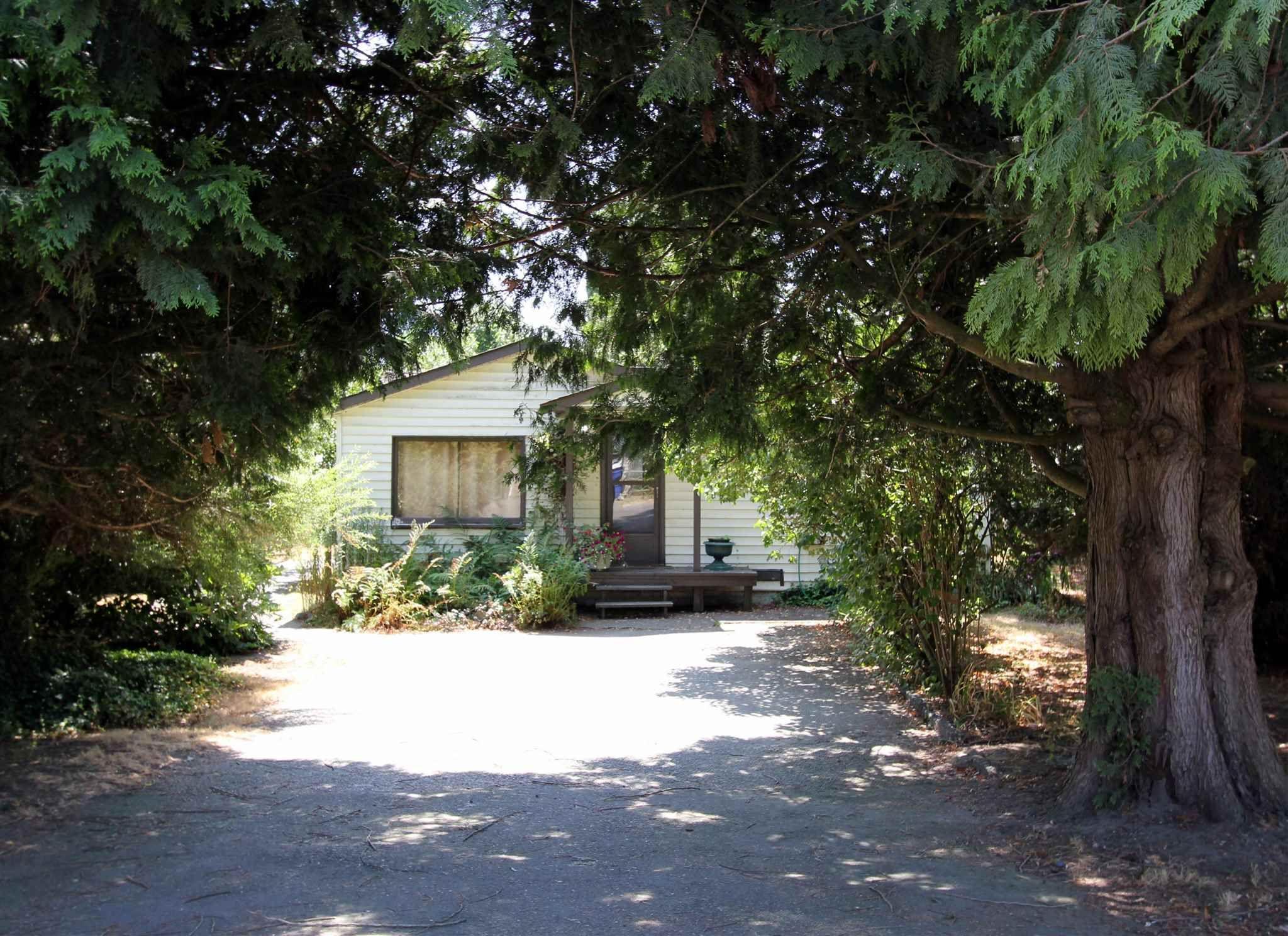 Main Photo: 41350 YARROW CENTRAL Road: Yarrow House for sale : MLS®# R2604550