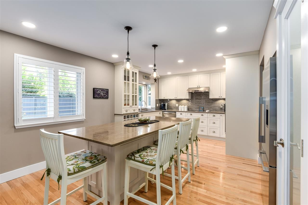 Newly renovated gourmet kitchen with all the bells and whistles!