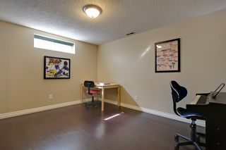 Photo 9: 3120 Rae Crescent SE in Calgary: House for sale : MLS®# C4005511