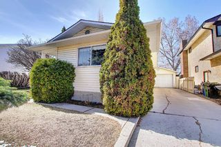 Photo 4: 136 Brabourne Road SW in Calgary: Braeside Detached for sale : MLS®# A1097410