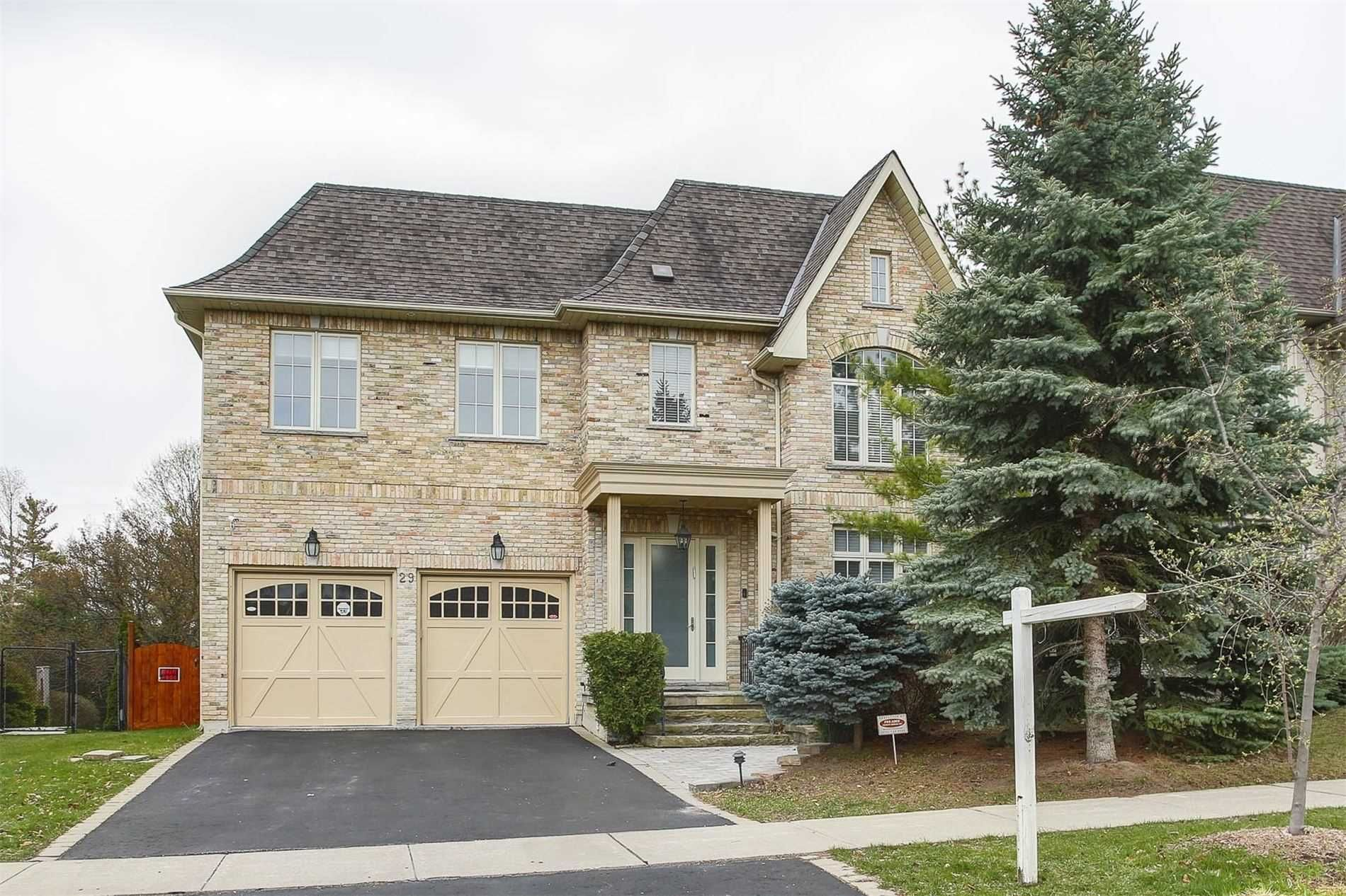 Main Photo: 29 Sanibel Cres in Vaughan: Uplands Freehold for sale : MLS®# N5211625