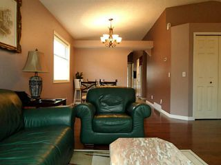 Photo 3: 37 CITADEL Gardens NW in CALGARY: Citadel Residential Detached Single Family for sale (Calgary)  : MLS®# C3568731