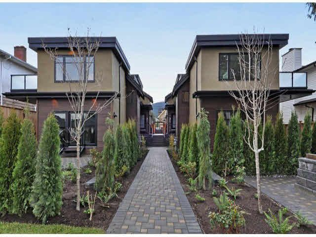 Main Photo: A 234 E 18TH Street in North Vancouver: Central Lonsdale 1/2 Duplex for sale : MLS®# V1069556