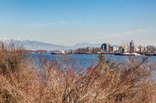 "Photo 18: 204 14300 RIVERPORT Way in Richmond: East Richmond Condo for sale in ""Waterstone Pier"" : MLS®# R2376463"