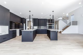 Photo 8: 7853 8A Avenue SW in Calgary: West Springs Detached for sale : MLS®# A1136445