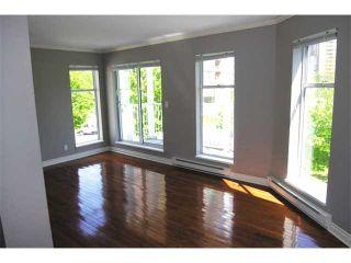 "Photo 2: 47 7345 SANDBORNE Avenue in Burnaby: South Slope Townhouse for sale in ""SANDBORNE WOODS"" (Burnaby South)  : MLS®# V853387"
