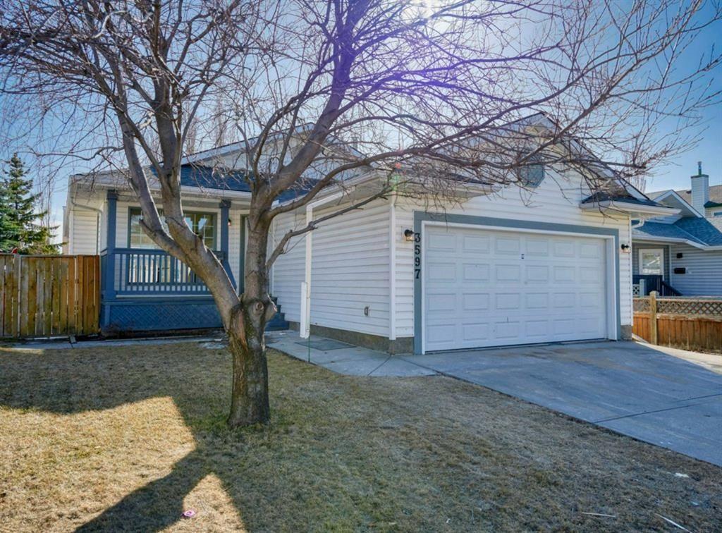 Main Photo: 3597 Douglas Woods Heights SE in Calgary: Douglasdale/Glen Detached for sale : MLS®# A1089528