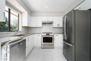 Photo 1: 32082 SCOTT Avenue in Mission: Mission BC House for sale : MLS®# R2604498