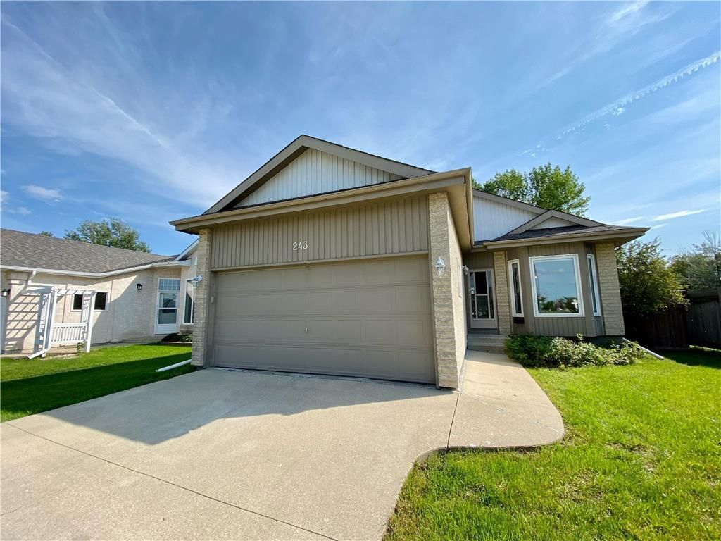 Main Photo: 243 Marygrove Crescent in Winnipeg: House for sale : MLS®# 202122583