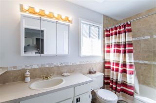 Photo 12: 122 CROTEAU Court in Coquitlam: Cape Horn House for sale : MLS®# R2444071
