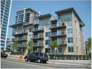Photo 1: 108 1288 CHESTERFIELD Ave in North Vancouver: Home for sale : MLS®# V962166
