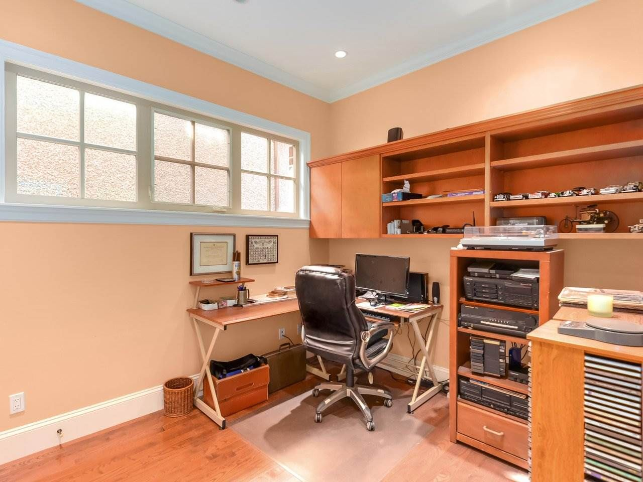 Photo 8: Photos: 694 W 19TH AVENUE in Vancouver: Cambie House for sale (Vancouver West)  : MLS®# R2186365