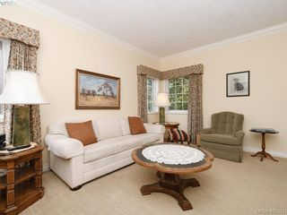 Photo 15: 4558 Pheasantwood Terr in VICTORIA: SE Broadmead House for sale (Saanich East)  : MLS®# 811473
