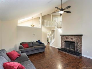 Photo 7: 819 Pepin Pl in VICTORIA: SW Northridge House for sale (Saanich West)  : MLS®# 828187