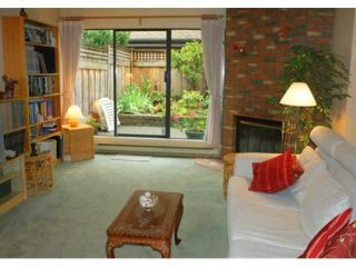 Photo 2: 159 West 19th Street in North Vancouver: Central Lonsdale Condo for sale : MLS®# V852342