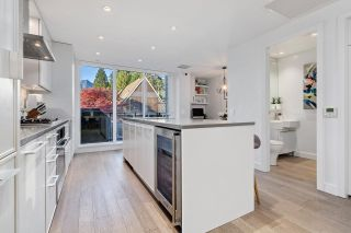 """Photo 8: 209 1055 RIDGEWOOD Drive in North Vancouver: Edgemont Townhouse for sale in """"CONNAUGHT"""" : MLS®# R2552673"""