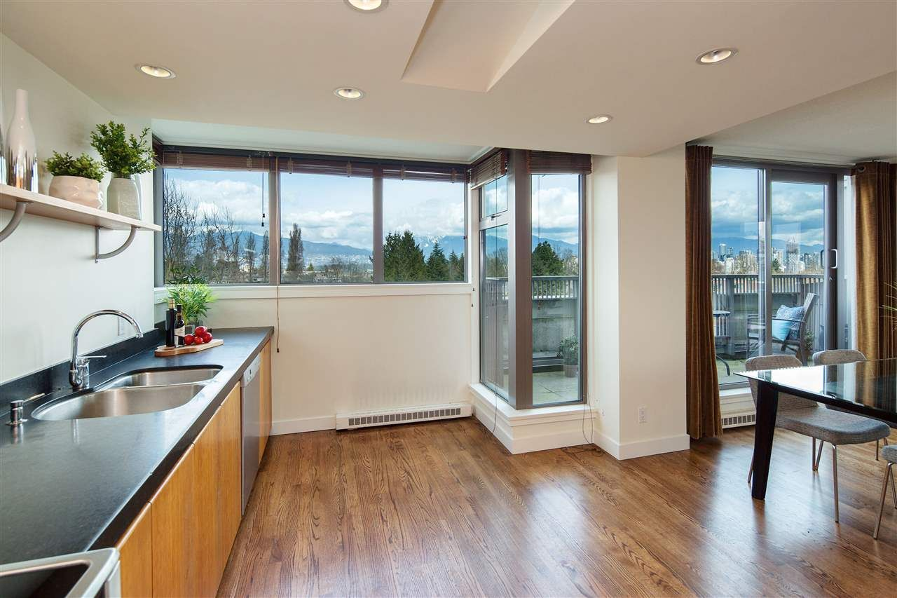 "Photo 5: Photos: 702 2483 YEW Street in Vancouver: Kitsilano Condo for sale in ""NEW POINTE TERRACE"" (Vancouver West)  : MLS®# R2264721"