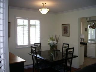Photo 15: BEAUTIFULLY RENOVATED 3-BR TOWNHOUSE!