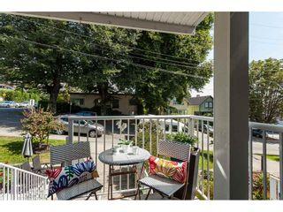 """Photo 18: 1137 ELM Street: White Rock Townhouse for sale in """"Marine Court"""" (South Surrey White Rock)  : MLS®# R2401346"""