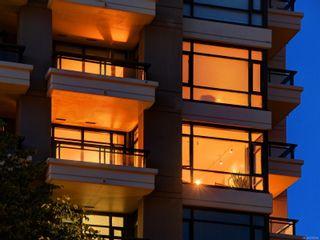 Photo 3: 505 788 Humboldt St in Victoria: Vi Downtown Condo for sale : MLS®# 878994