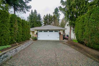 """Photo 2: 20807 93 Avenue in Langley: Walnut Grove House for sale in """"Central Walnut Grove"""" : MLS®# R2565834"""