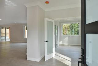 """Photo 12: 430 SOLAZ Place in Gibsons: Gibsons & Area House for sale in """"GEORGIA CREST"""" (Sunshine Coast)  : MLS®# R2623766"""
