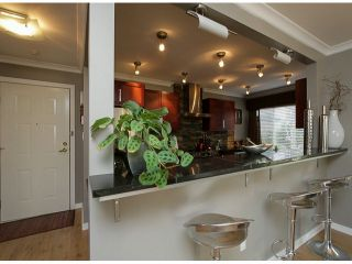 "Photo 6: 206 1280 FIR Street: White Rock Condo for sale in ""Oceana Villa"" (South Surrey White Rock)  : MLS®# F1408038"