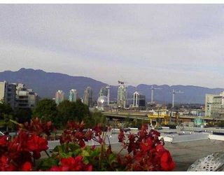 "Photo 5: 209 685 W 7TH Avenue in Vancouver: Fairview VW Townhouse for sale in ""THE IVY'S"" (Vancouver West)  : MLS®# V666980"