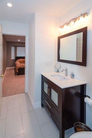 """Photo 19: 13 849 TOBRUCK Avenue in North Vancouver: Hamilton Townhouse for sale in """"Garden Terrace"""" : MLS®# R2018127"""