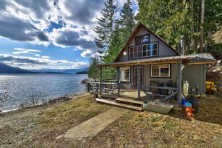 Photo 35: 5846 Sunnybrae-Canoe Point Road, in Tappen: House for sale : MLS®# 10240711