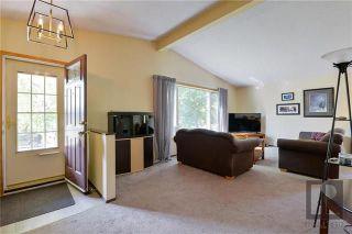 Photo 2: 22 Salisbury Crescent in Winnipeg: Waverley Heights Residential for sale (1L)  : MLS®# 1826434