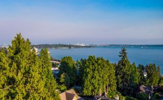 Photo 6: 2633 LAWSON Avenue in West Vancouver: Dundarave House for sale : MLS®# R2616423