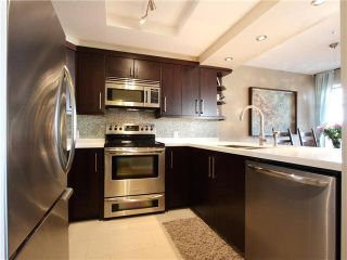 """Photo 5: 206 55 E 10TH Avenue in Vancouver: Mount Pleasant VE Condo for sale in """"Abbey Lane"""" (Vancouver East)  : MLS®# V1091688"""