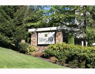"""Photo 1: 224 1465 PARKWAY Boulevard in Coquitlam: Westwood Plateau Townhouse for sale in """"SILVER OAKS"""" : MLS®# V787781"""