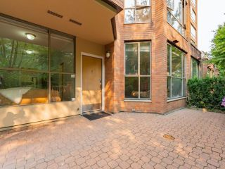 Photo 4: 3 2201 PINE STREET in Vancouver: Fairview VW Townhouse for sale (Vancouver West)  : MLS®# R2610918