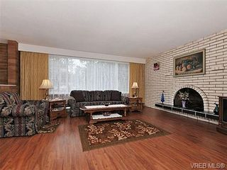 Photo 3: 970 Haslam Ave in VICTORIA: La Glen Lake House for sale (Langford)  : MLS®# 655387