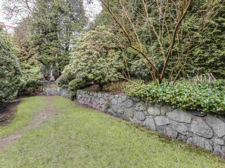 """Photo 20: 111 2320 W 40TH Avenue in Vancouver: Kerrisdale Condo for sale in """"Manor Gardens"""" (Vancouver West)  : MLS®# R2546363"""
