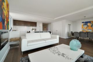 """Photo 14: 602 475 13TH Street in West Vancouver: Ambleside Condo for sale in """"Le Marquis"""" : MLS®# R2557858"""