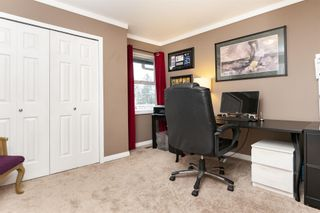 Photo 19: 18-2525 Shaftsbury Place in Port Coquitlam: Woodland Acres PQ Townhouse for sale : MLS®# R2341763