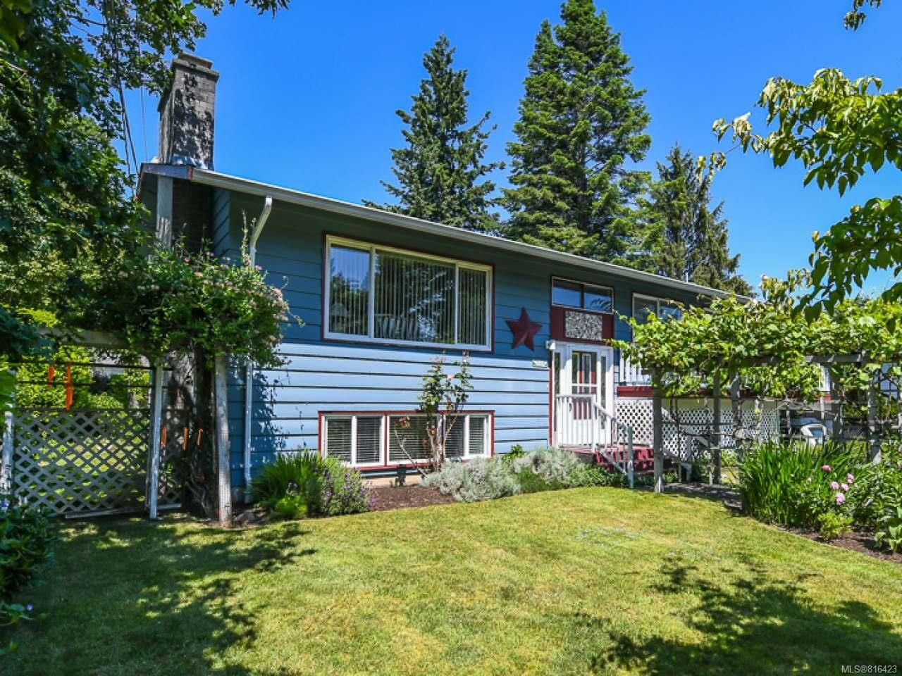 Main Photo: 1664 Elm Ave in COMOX: CV Comox (Town of) House for sale (Comox Valley)  : MLS®# 816423